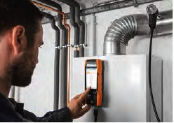 Testo 300 combustion analyzer to measure a heating system