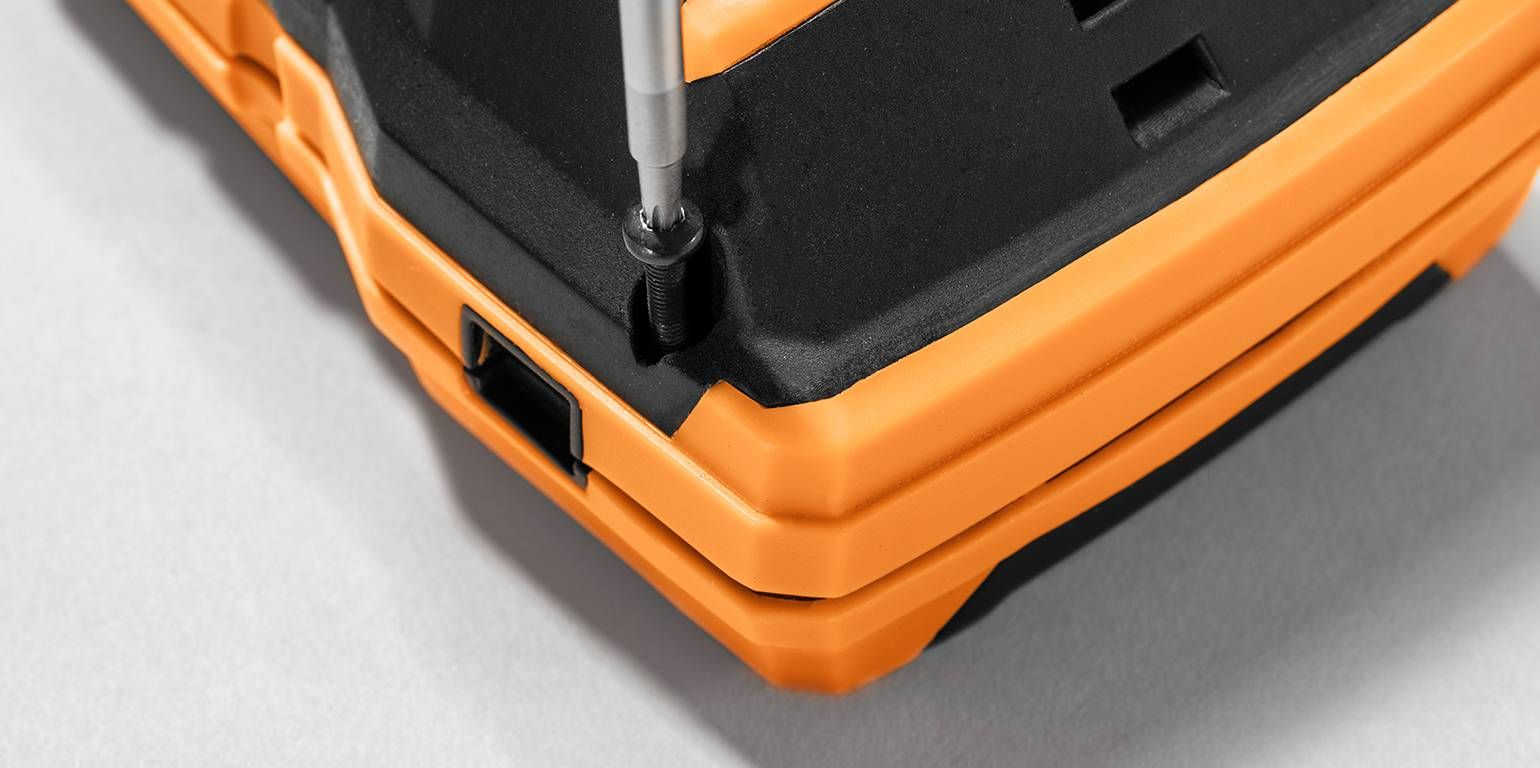 Testo 300 combustion analyzer bolted housing casing